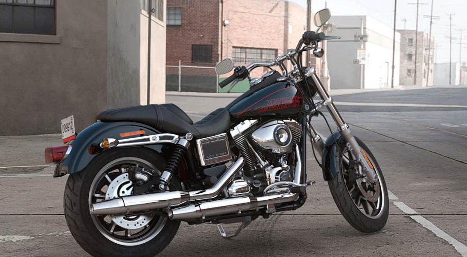 harley davidson dyna low rider 2017 farben und preise. Black Bedroom Furniture Sets. Home Design Ideas