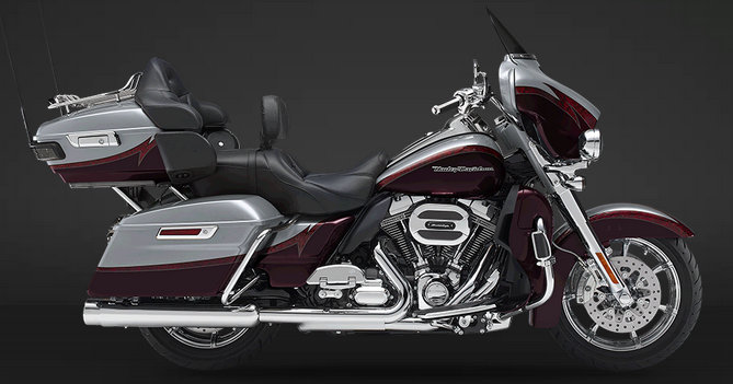 CVO Electra Glide Ultra Limited 2015 in Palladium Silver / Typhoon Maroon