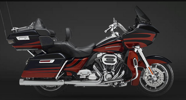 CVO Road Glide Ultra 2015 in Carbon Dust / Autumn Sunset
