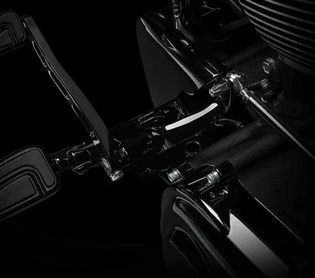 harley davidson cvo pro street breakout limited 2016 features. Black Bedroom Furniture Sets. Home Design Ideas