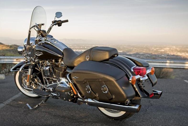 Harley-Davidson Road King Classic Modelljahr 2017 - Bike & Bildergalerie