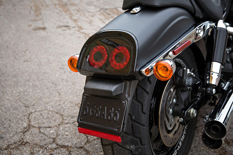 Harley Davidson Dyna Fat Bob Modelljahr 2017 Bike